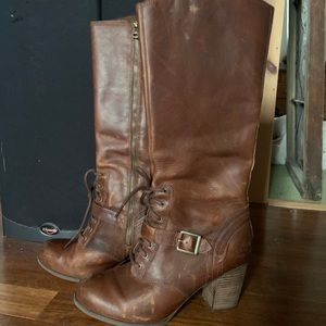 Brown leather Timberland knee-high heeeld boots